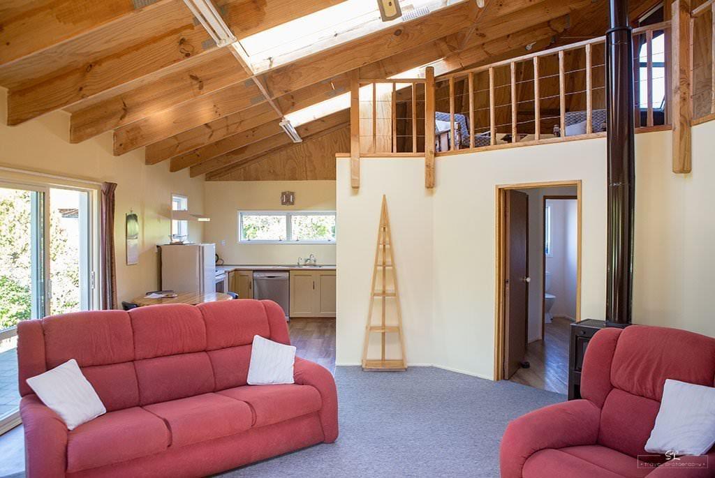紐西蘭 | 克倫威爾 Cromwell | 簡約溫馨的閣樓小屋 Dunstan View Cottage